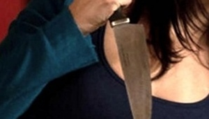 donna-con-il-coltello