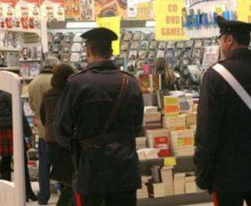 Tenta furto al supermercato, denunciato