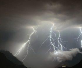 Allerta meteo fino a domani sabato 12 novembre in tutto il territorio