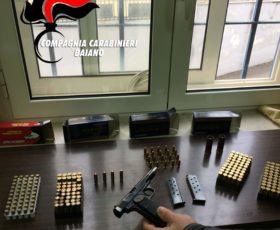 Trovato con 200 cartucce e una pistola, denunciato