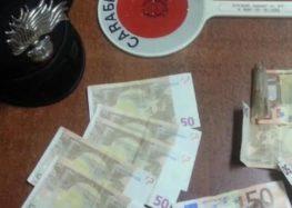 Coppia spaccia banconote false, arrestati