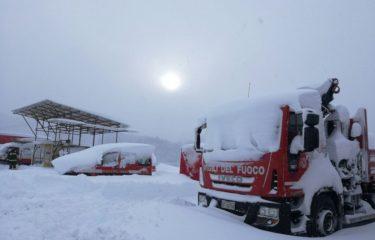 Neve e sisma, ad Amatrice l'impegno dei Vdf di Avellino