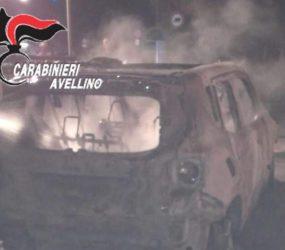 Montoro. In fiamme il fuoristrada di un avvocato di Piazza di Pandola. Indagano i carabinieri