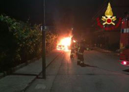 Montoro.  Doppio incendio di auto a Piazza di Pandola e Piano