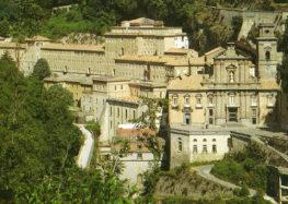 Abbazia di Cava de' Tirreni furi dall'elenco Unesco