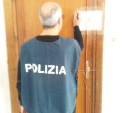 Salerno: Polizia arresta un pregiudicato 50enne per sfruttamento della Prostituzione in una abitazione a Lancusi