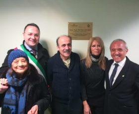 Pellezzano. Targa in memoria del primario emerito del reparto di Malattie Infettive del nosocomio salernitano Nicola Russo, scomparso 25 anni fa.