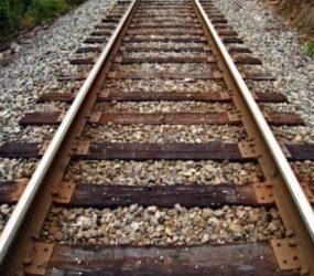 Sapri (SA). Donna incinta tenta il suicidio dopo una lite con il suo compagno alla stazione ferroviaria, salvata dagli agenti della Polfer