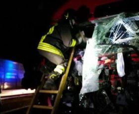 Incidente camion contro camion, muore irpino