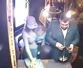 Furto in gioielleria, coppia bloccata con un bracciale, denunciati