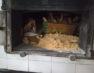 Sequestrati 350 kg di pane e taralli cotti con legna di scarto, anche verniciato, denunciato panettiere
