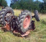 Si ribalta con il trattore, muore schiacciato 83enne di Santo Stefano del Sole
