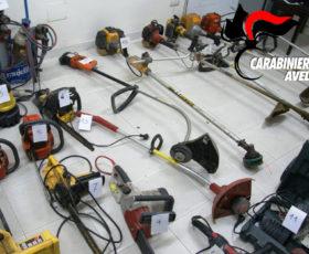 I carabinieri scoprono un deposito di attrezzi agricoli  tutti rubati, denunciati due uomini per furto e ricettazione