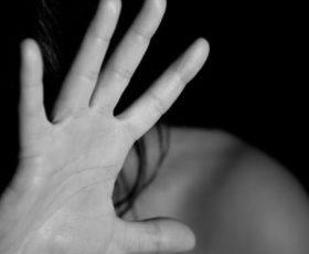 Cava de' Tirreni: denunciato uomo per furto e violenza alla madre