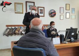 Prenotazione vaccini per agli anziani, arriva l'aiuto dei carabinieri