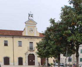 Montoro. 1° Maggio senza bandiere a Palazzo dell'Annunziata. Noncuranza, dimenticanza o cos'altro?